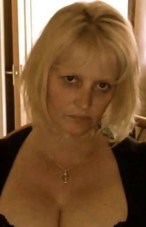 Mistress seeking slaves to explore BDSM world with